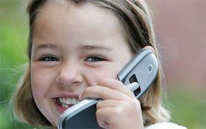 kids-using-cell-phone